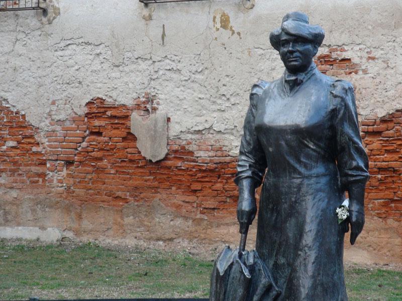 statue_zagreb